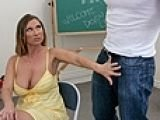 Hot mom can not control herself around big cock